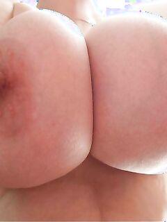 Подборка большие сисек обнаженных девушек из ВК