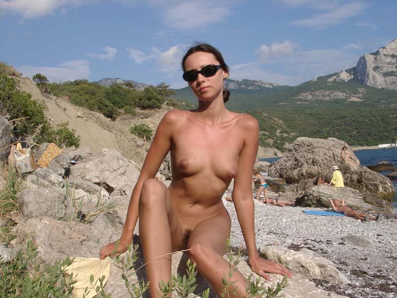 Голенькая училка на нудистском пляже