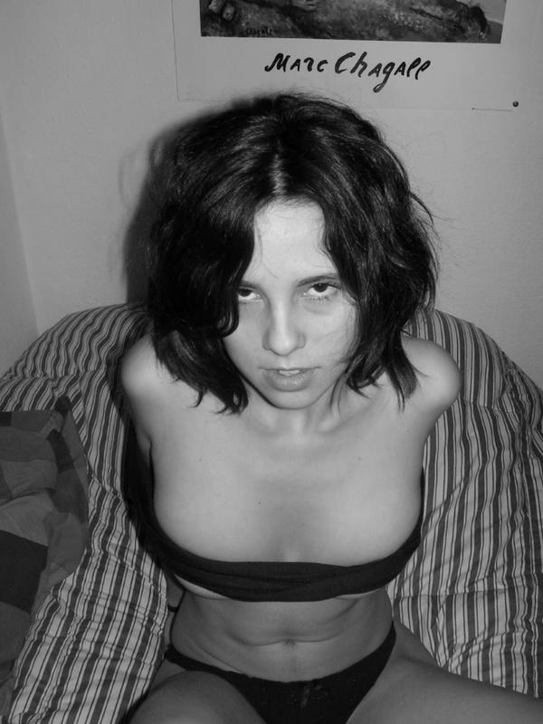 Красивы половой акт с пышногрудой брюнеткой