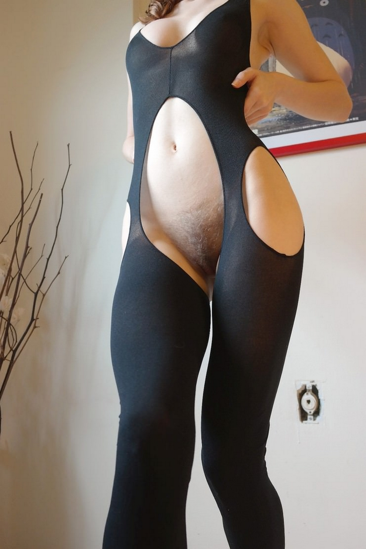 Девушки в сексуальном белье позируют перед камерами