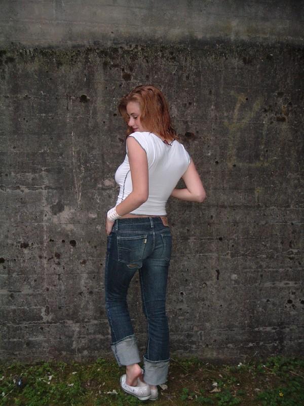 Частные снимки стройной девушки с большими сиськами