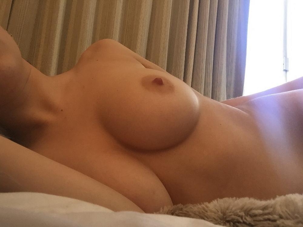 Красивые соски голых девушек заснятые крупным планом