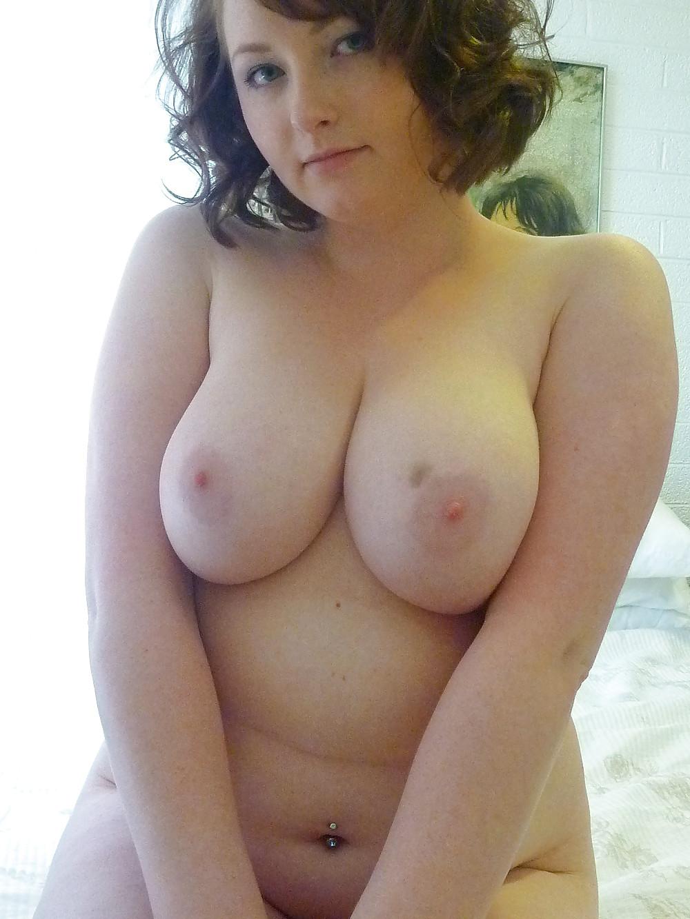 Толстые дамы позируют голышом перед партнерами