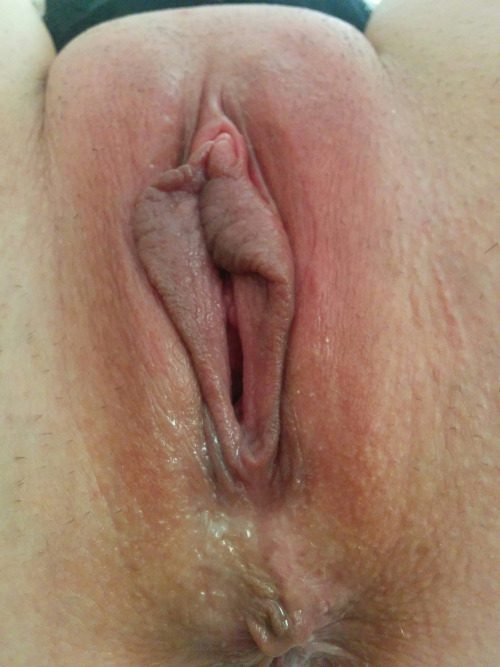 Подборка баб с голыми кисками и попками
