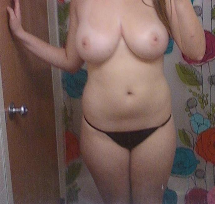 Подборка баб с огромными дойками