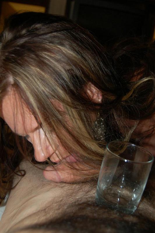 Волосатый тип жахнул загорелую мамашу после минета