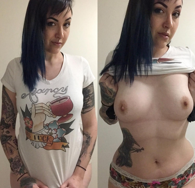 Татуированная телка светит упругой грудью и голой пилоткой перед камерой
